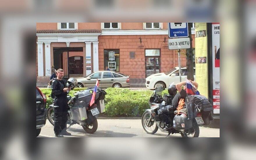 Vilniaus centre – Rusijos numeriais ir vėliavomis pasidabinę motociklininkai - 2