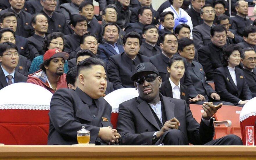 Kim Jong-Unas ir Dennisas Rodmanas