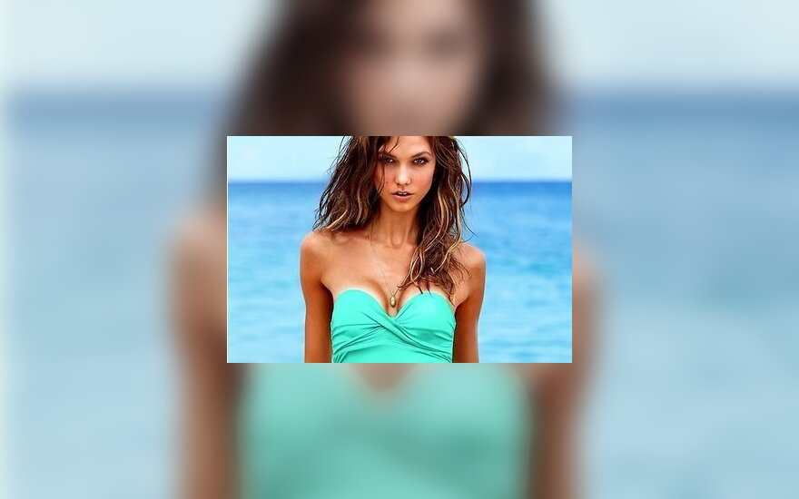 Девушки Victoria's Secret представили коллекцию купальников-2013