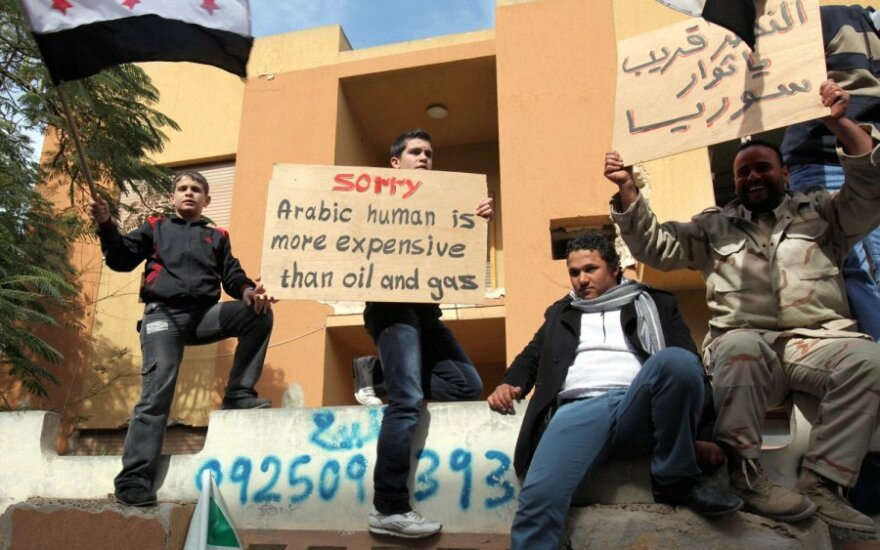 Sirai protestuoja prie Rusijos ambasados Libijoje