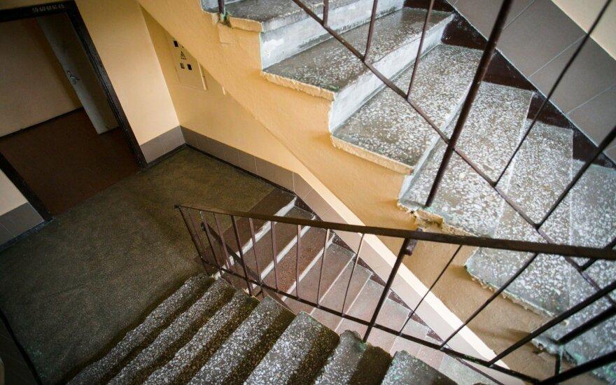 Скандал: в столице Литвы владельцы квартиры снимали арендаторов на видео