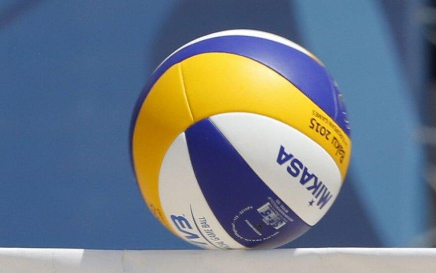 Тренер готов работать со сборной России по волейболу бесплатно