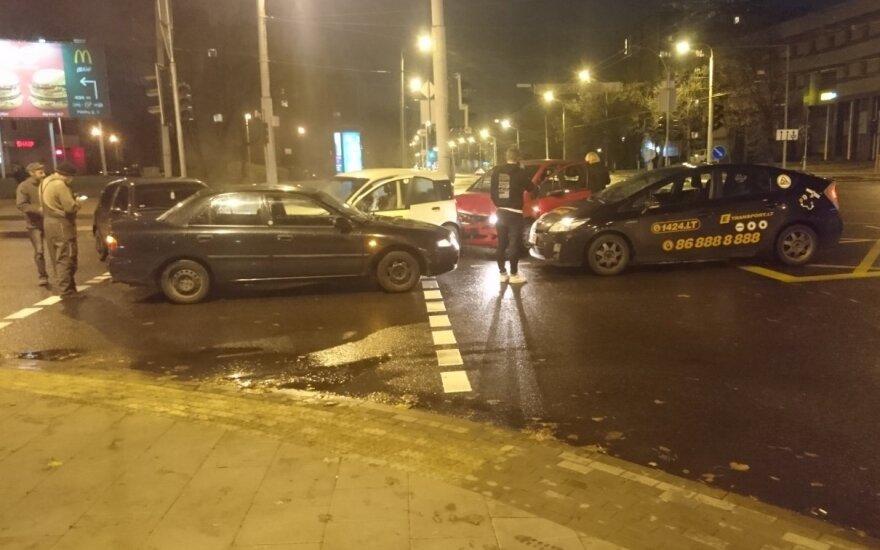 В Вильнюсе на перекрестке произошло массовое ДТП
