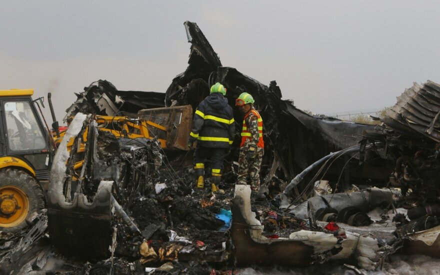 В Катманду разбился пассажирский самолет: спасены 25 человек