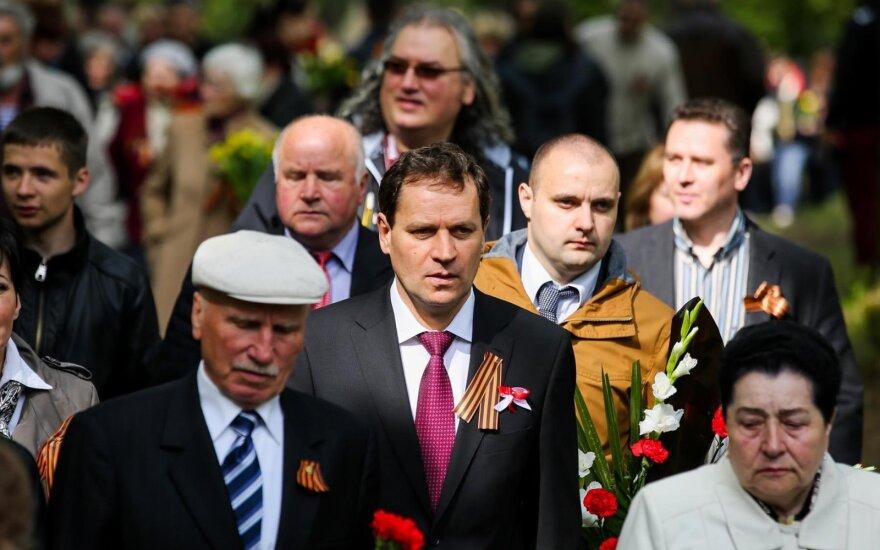 """AWPL oskarża premiera o reprezentowanie """"interesów państw nieprzyjaznych Litwie. Premier: To Tomaszewski lubi sobie przypiąć wstążeczkę św. Jerzego"""