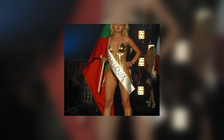 """СМИ: бывшая """"Мисс Литва"""" сделала карьеру благодаря вечеринкам Берлускони"""