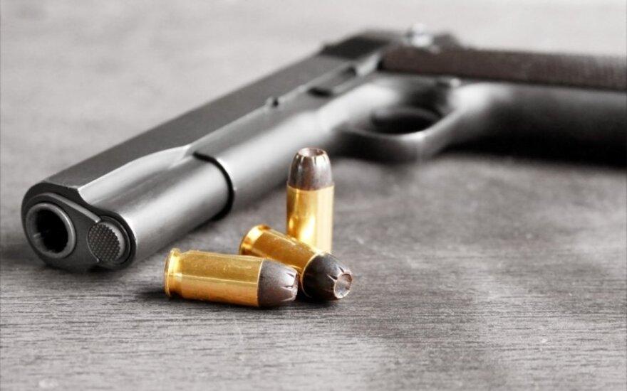USA: Ochroniarz Mitta Romney'a zostawił pistolet w toalecie