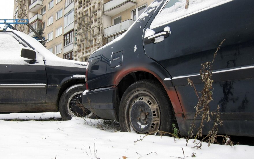 Apleistas automobilis (asociatyvi nuotr.)