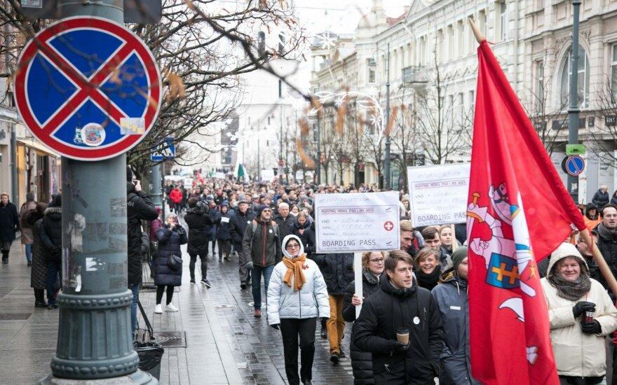 В Литве оскорбленные врачи вышли на улицы: нас обманули