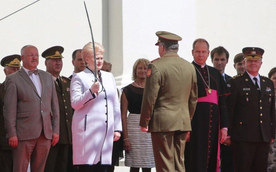 Президент: Литва будет уделять больше внимания обороне
