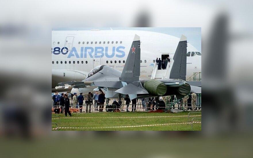 Фоторепортаж: в Подмосковье открылся авиасалон МАКС-2013
