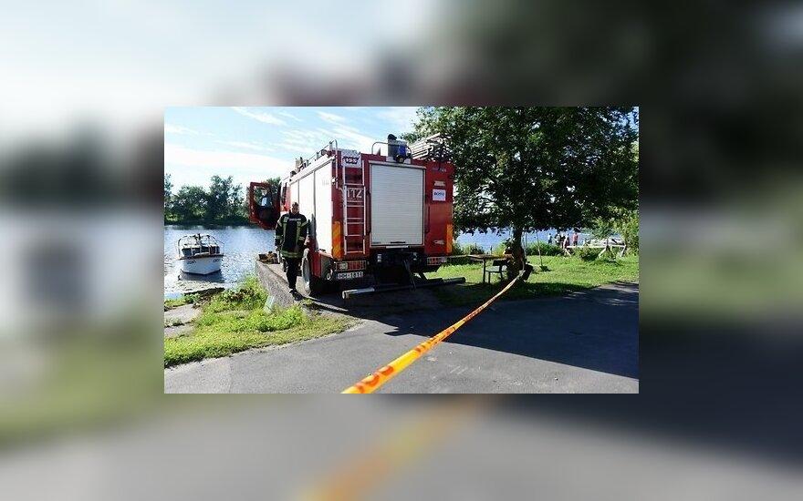 При пожаре на катамаране в Риге пострадали 12 человек