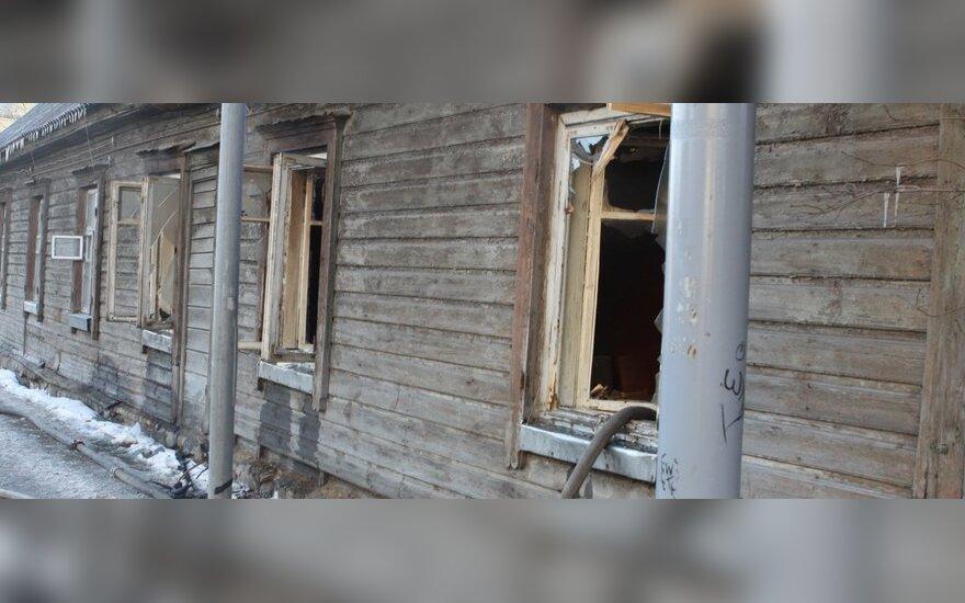 В Вильнюсе из горевшего дома эвакуировали 11 человек
