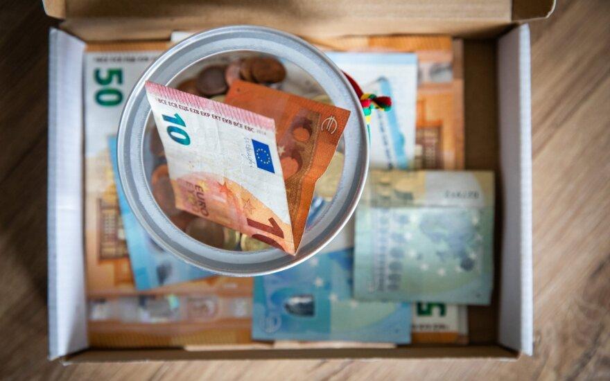 Средняя начисленная зарплата в Литве увеличилась на 8,5%, за квартал – на 1,3%