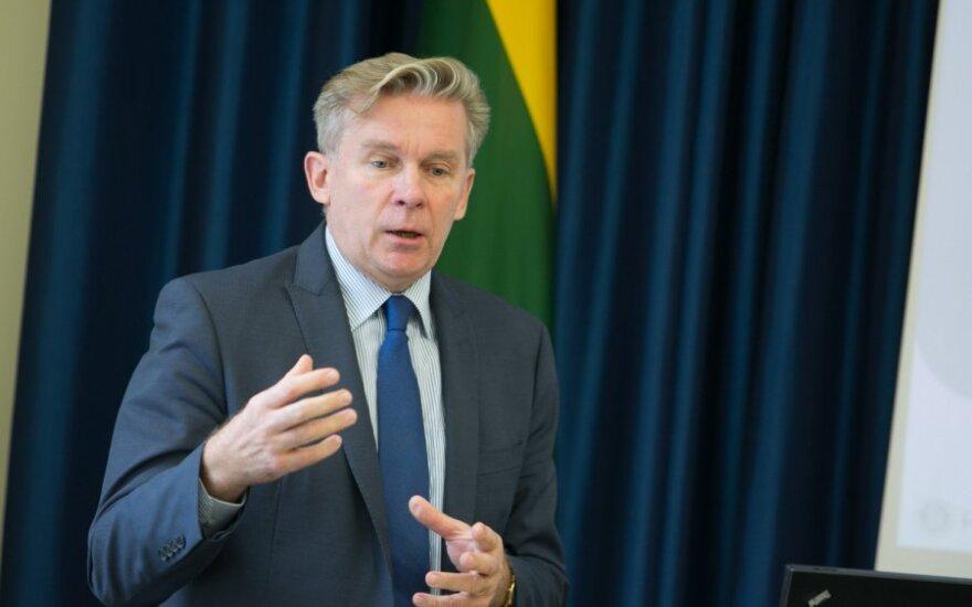 Ажубалис обсудил с послом Эстонии двусторонние отношения