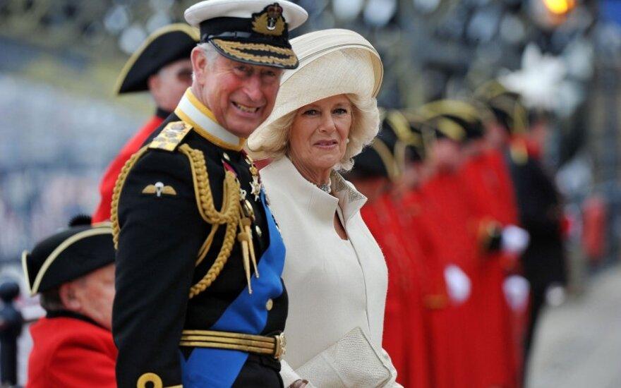 princas Charlesas ir jo sutuoktinė Kornvalio hercogienė Camilla