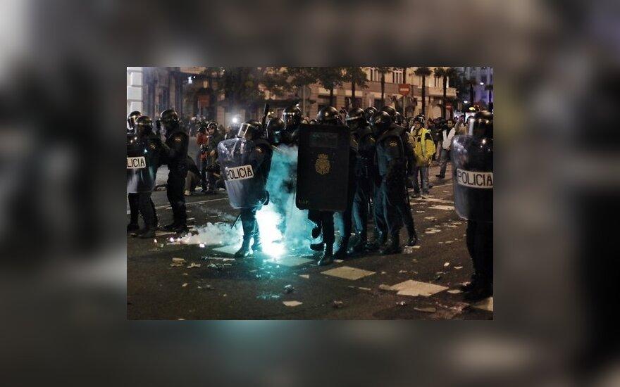 Греция: протестующие штурмовали офис министра труда