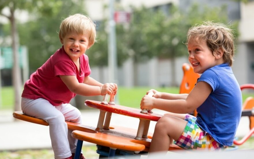 Nowa zabawa zyskuje popularność wśród dzieci - jest niebezpieczna!