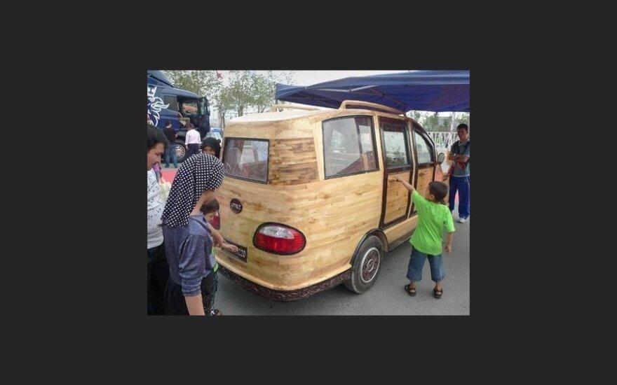 Китайцы построили деревянный электрофургон Umut