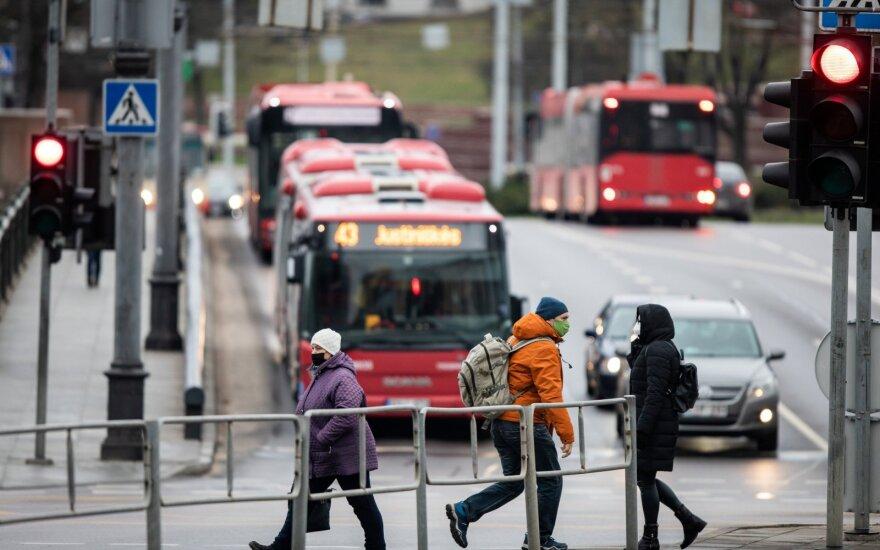 Эксперт: если люди не соблюдают ограничение мобильности, от него стоит отказаться