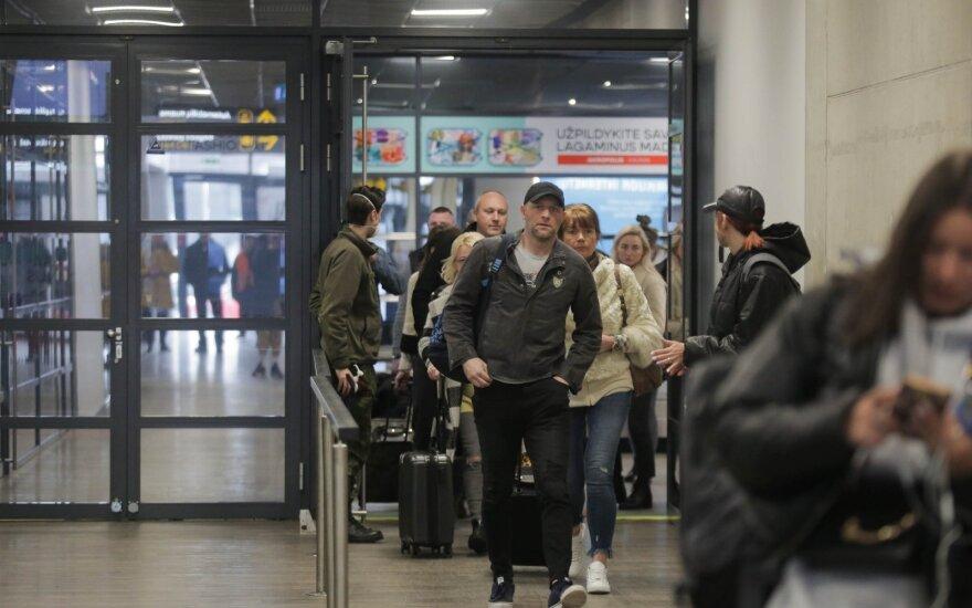 Глава МИД: в Литву уже вернулась почти тысяча граждан, застрявших за границей