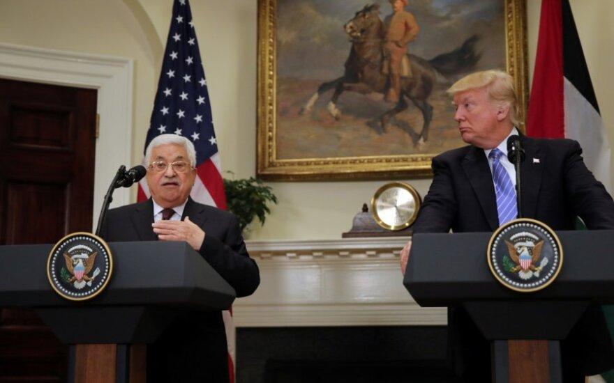 M. Abbasas ir D. Trumpas
