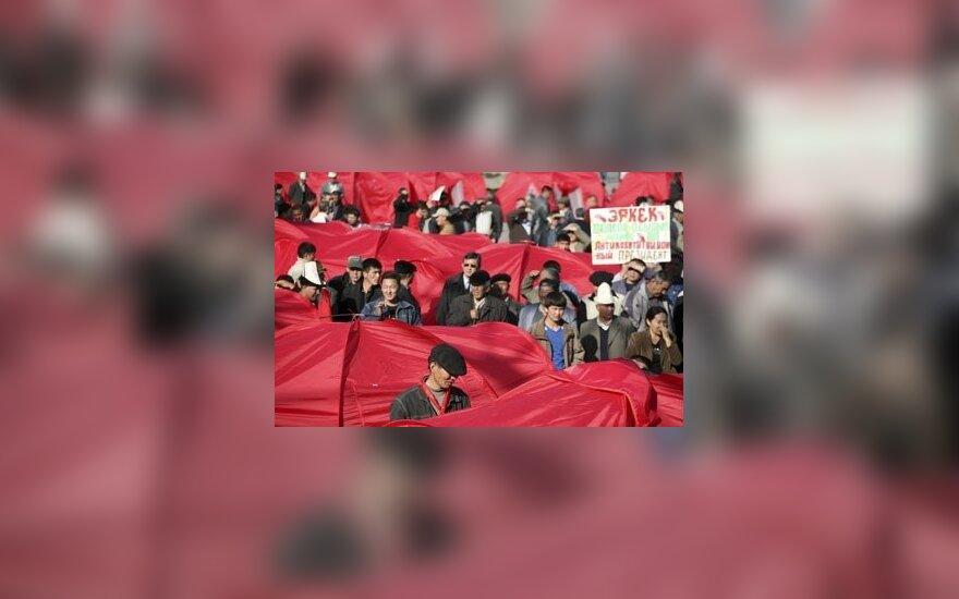 Protesto mitingas Kirgizijos sostinėje Biškeke