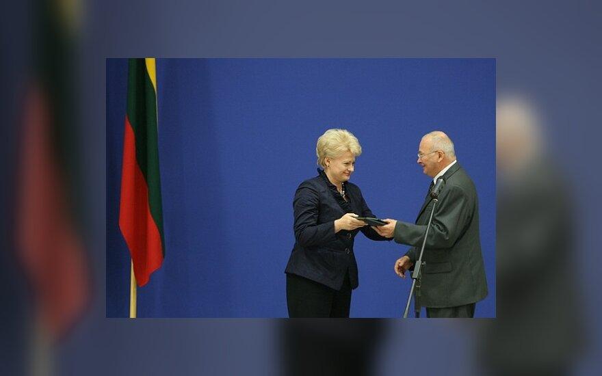Д.Грибаускайте - удостоверение президента и титул белокурой литовки