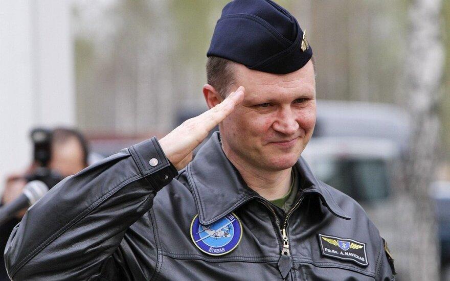 Увольняется командующий ВВС Литвы - ремонтировать вертолеты в России нельзя