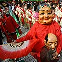 Makao gyventojai švenčia šalies perdavimo Kinijai 8 metų sukaktį