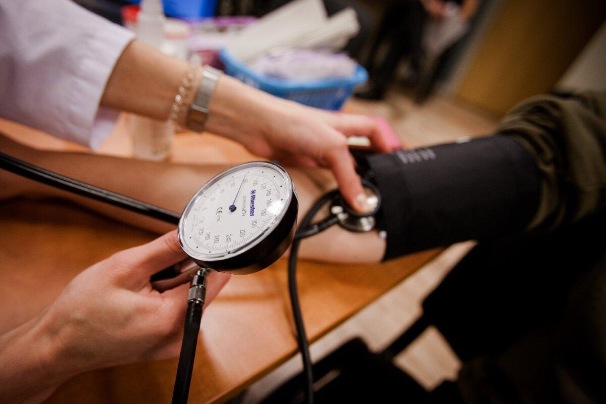 Profesorius pataria nejuokauti: aukštas kraujospūdis gali negrįžtamai pažeisti regėjimą