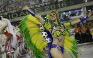 Įspūdingame Rio de Žaneiro karnavale – būsimos olimpiados atributika