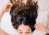 Daugiausia plaukų netenkame naktį: geri patarimai, kad jie neslinktų miegant