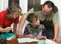 """Kaip atsisakyti """"visagalių tėvų"""" vaidmens"""