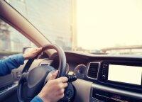 Kaip nuo koronaviruso turėtų saugotis vairuotojai: kas privalo būti automobilyje