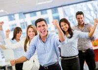 Draugystė darbe: nustebsite, kokios įtakos darbui turi draugiškai nusiteikę kolegos