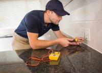 Kaip namus paversti gyvenamais po santechnikos ir elektros instaliacijos darbų?