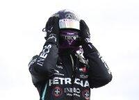 Lenktynės Silverstoune: neįvykęs Hulkenbergo sugrįžimas, Raikkoneno įtūžis ir dramatiškas finišas