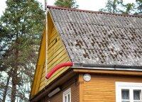 Gyventojai vangiai atsikrato šiferinių stogų: gali sunkiai susirgti, bet vis tiek labiau vertina pinigus