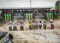 """""""Motocross of Nations"""" varžybose lietuviams koją pakišo purvo vonia virtusi trasa"""
