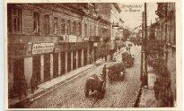 Vilniaus g. kairėje - Isaako Kaplano batu ir kaliošų sandėlis / (1915-1920m.) nuotrauka iš asmeninės kolekcininko Michailo Duškeso kolekcijos