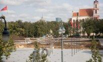 Tvarkoma Lukiškių aikštė