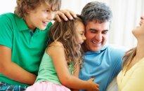 Kaip mes baudžiame vaikus juos pagirdami?