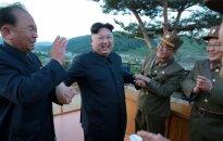 Šiaurės Korėja badauja, o diktatorius maudosi prabangoje – iš kur jis turi pinigų?