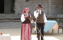 Kurtuvėnuose vyko tradicinis klojimo teatrų festivalis