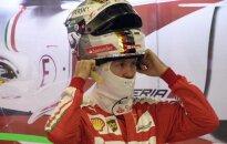 """S. Vettelis kaltina L. Hamiltoną """"nešvariais žaidimais"""""""