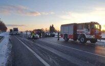Kraupi avarija Pasvalio rajone: žuvo du žmonės, uždarytas eismas