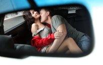 Iš pavydo atkeršijo geriausiai draugei: ieškau turtingo meilužio ir grupinio sekso