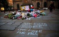Nuo benamių iki didvyrių: už Mančesterio sprogimo aukų gelbėjimą žmonės dviems vyrams aukoja įspūdingas sumas