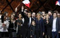 Emmanuel ir Brigitte Macron